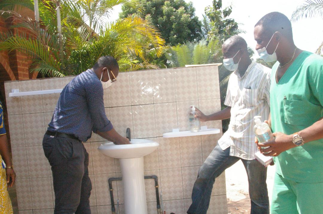 Lutte contre la COVID-19: Lomé Container Terminal fait don de kits de prévention à un dispensaire à Assomé